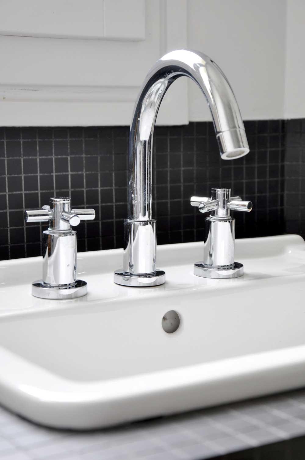 Zoom sur la robinetterie for Renovation salle de bain paris