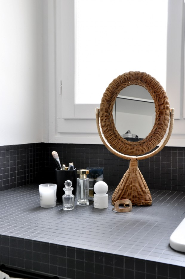 avant apr s r novation d 39 une petite salle de bain paris par bel ordinaire. Black Bedroom Furniture Sets. Home Design Ideas