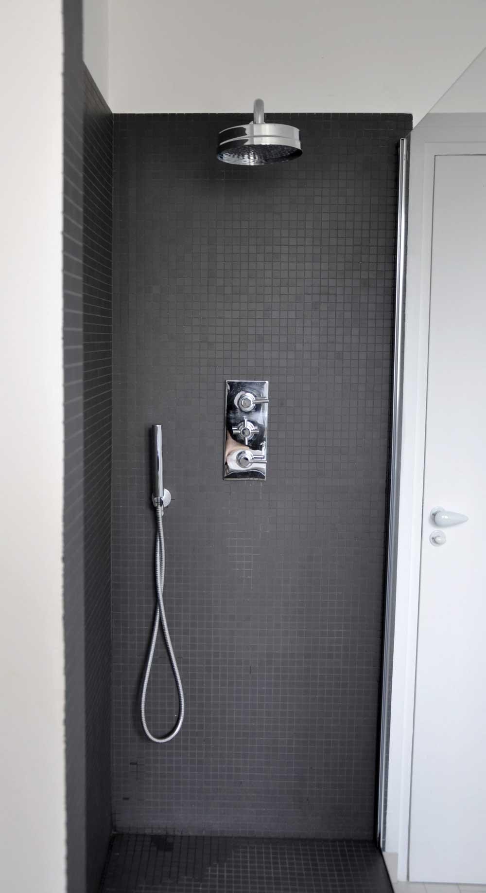 cr ation d 39 une douche paris. Black Bedroom Furniture Sets. Home Design Ideas