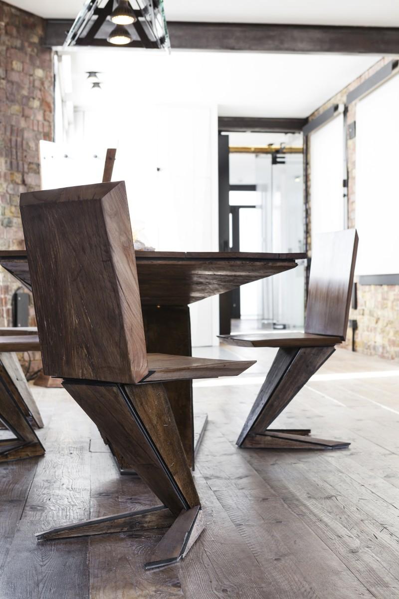 Chaise atypique en bois