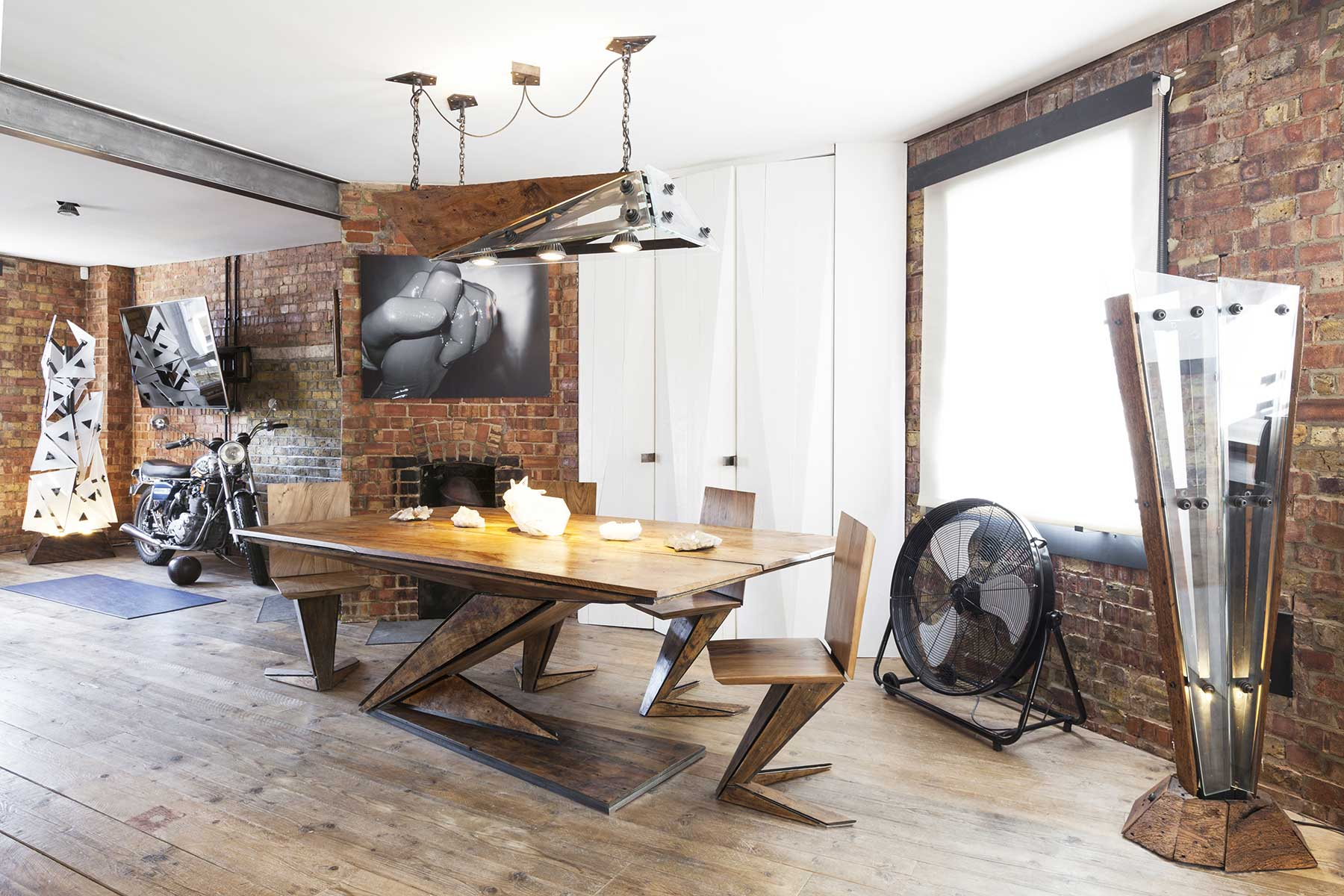 loft londres avec murs en brique. Black Bedroom Furniture Sets. Home Design Ideas