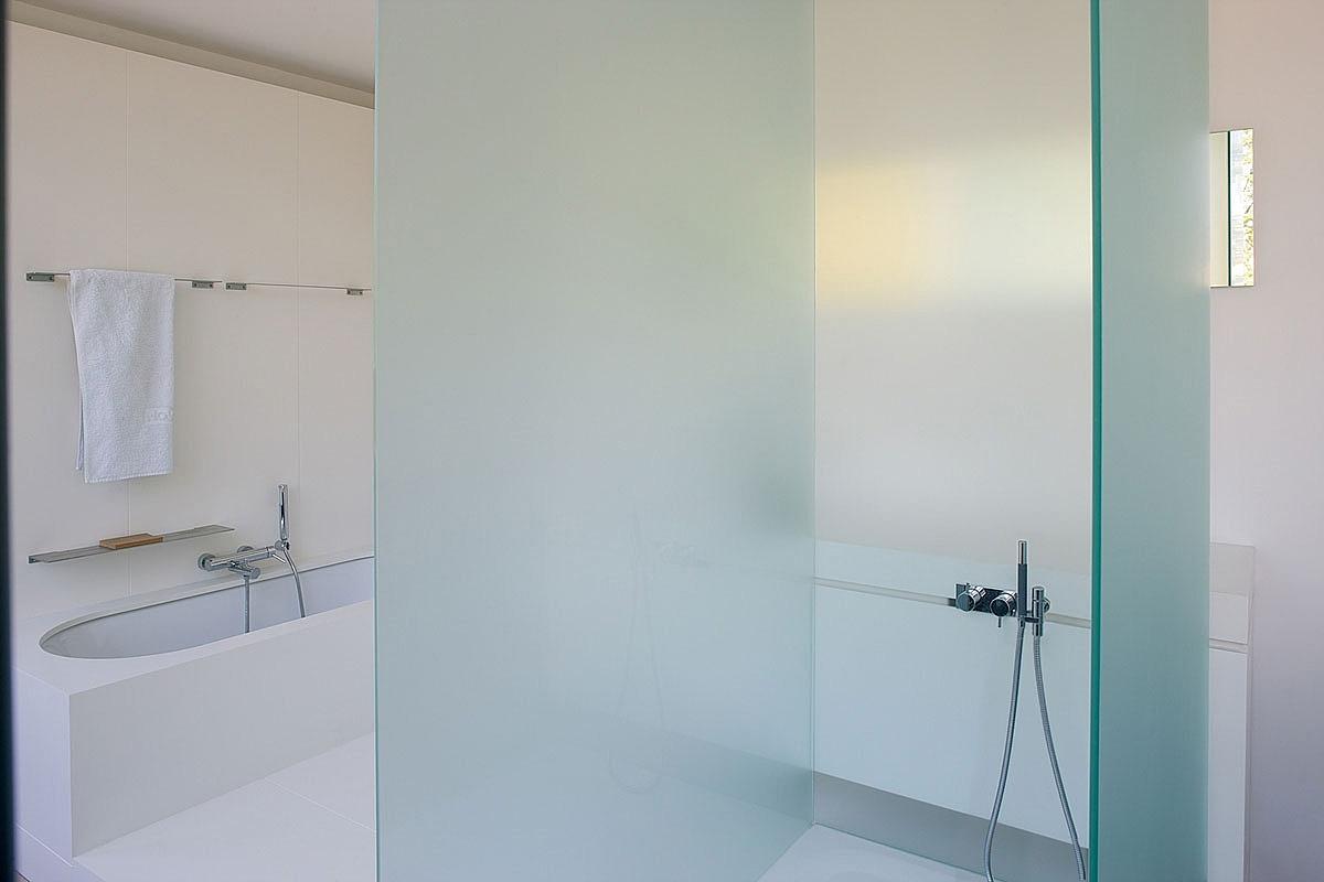 Salle de bains la d co pur e for Garage du parc