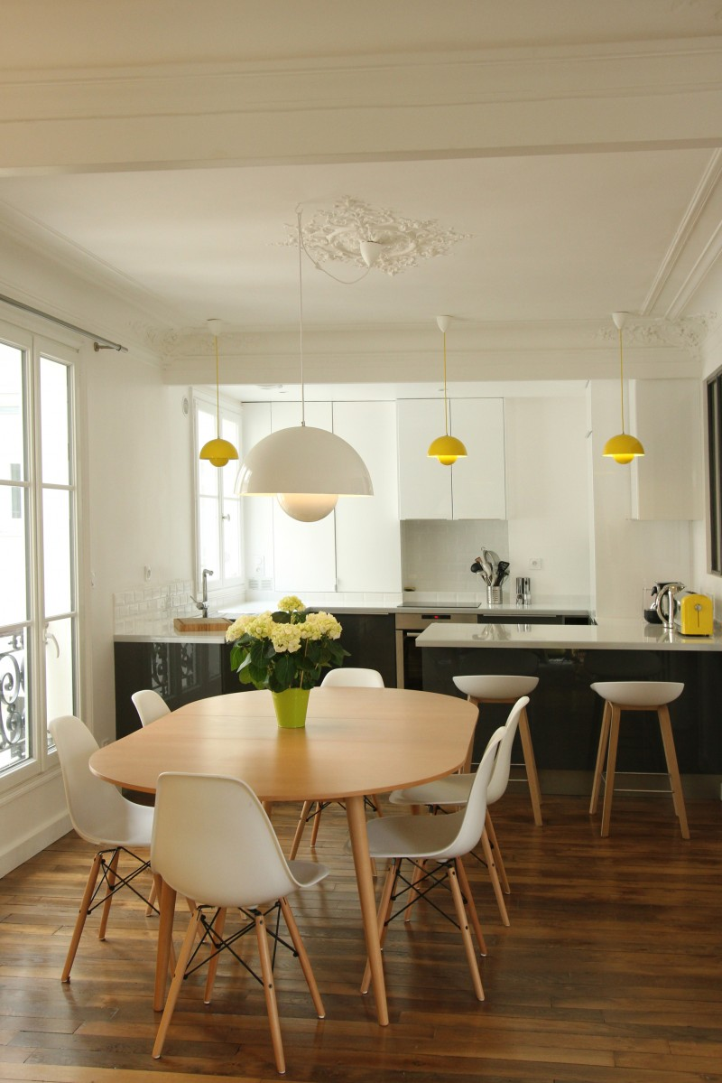 R novation d 39 un appartement haussmannien par camille hermand for Renovation sejour salle a manger