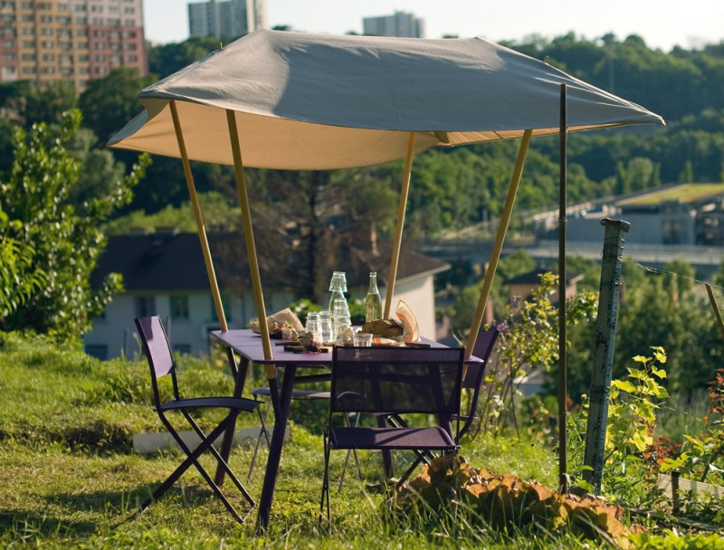 Table de jardin violette Tablabri Fermob