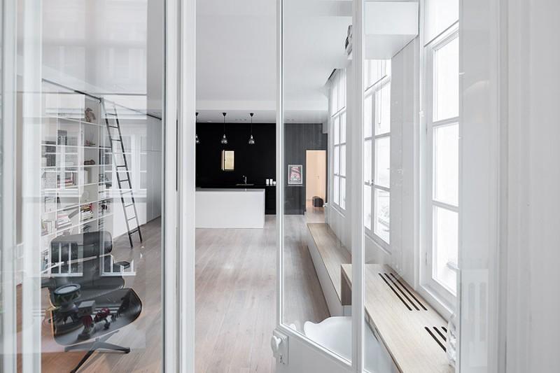 Reconversion d un ancien atelier en loft paris par septembre - Porte vitree style atelier ...