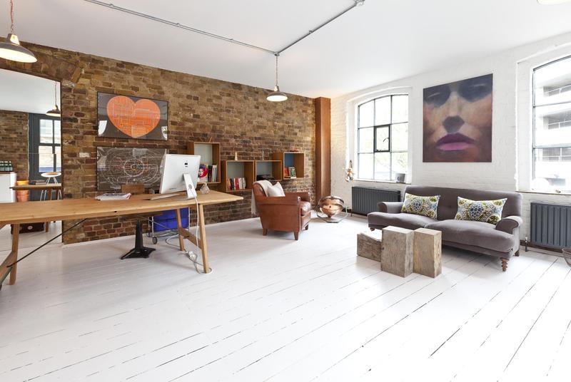 loft avec mur en brique. Black Bedroom Furniture Sets. Home Design Ideas