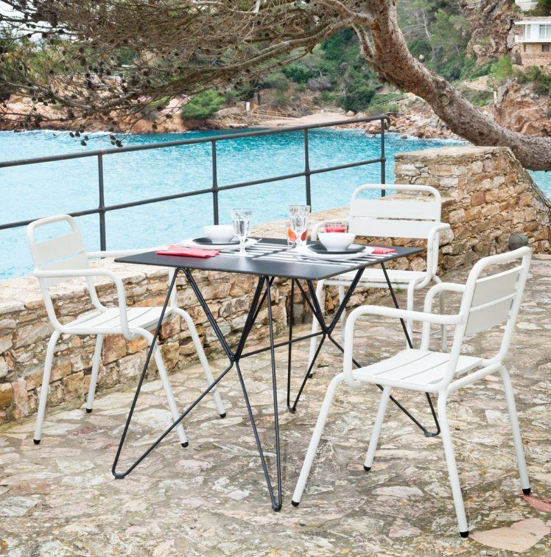 31 id es d co de mobilier de salon de jardin - Table basse qui se transforme en table haute ...