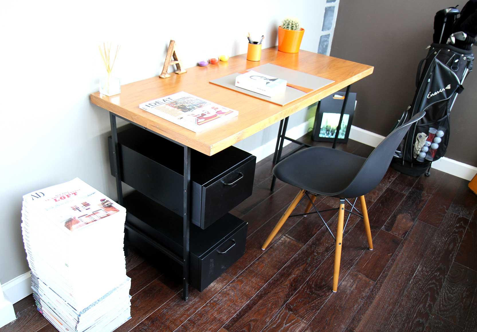 bureau am pm et chaise eames. Black Bedroom Furniture Sets. Home Design Ideas