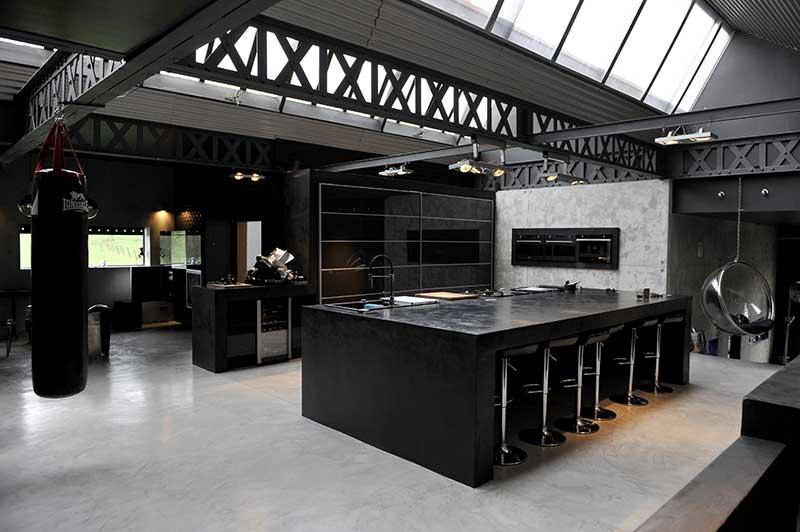 dark loft location pour photos tournages v nements en belgique. Black Bedroom Furniture Sets. Home Design Ideas