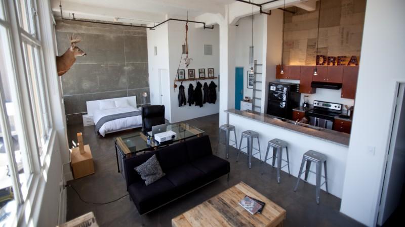 Loft avec chambre ouverte