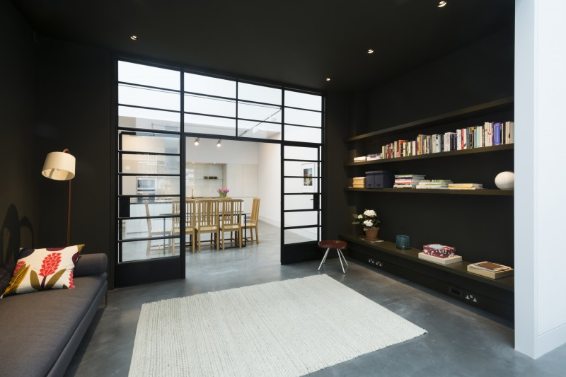 Espace bibliothèque noir