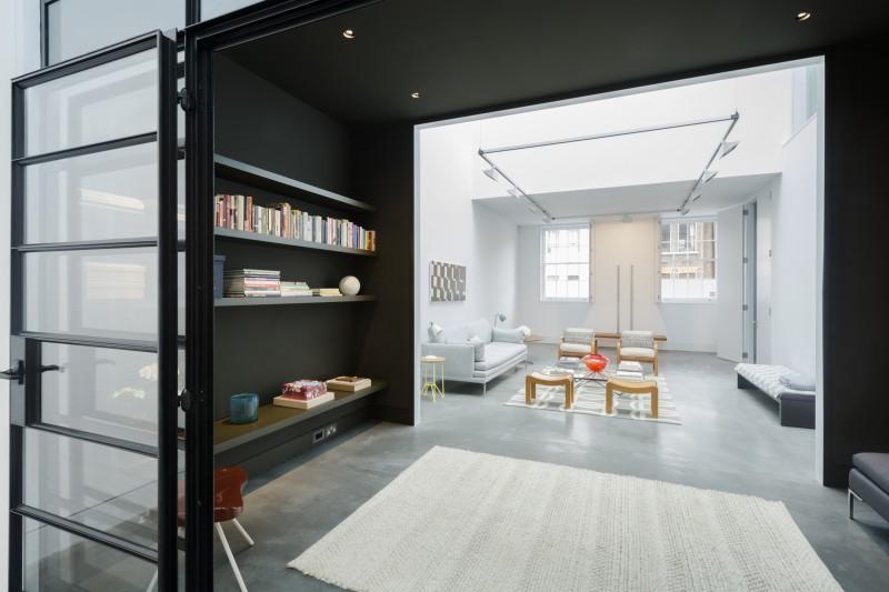Loft avec sol en béton ciré gris à Londres