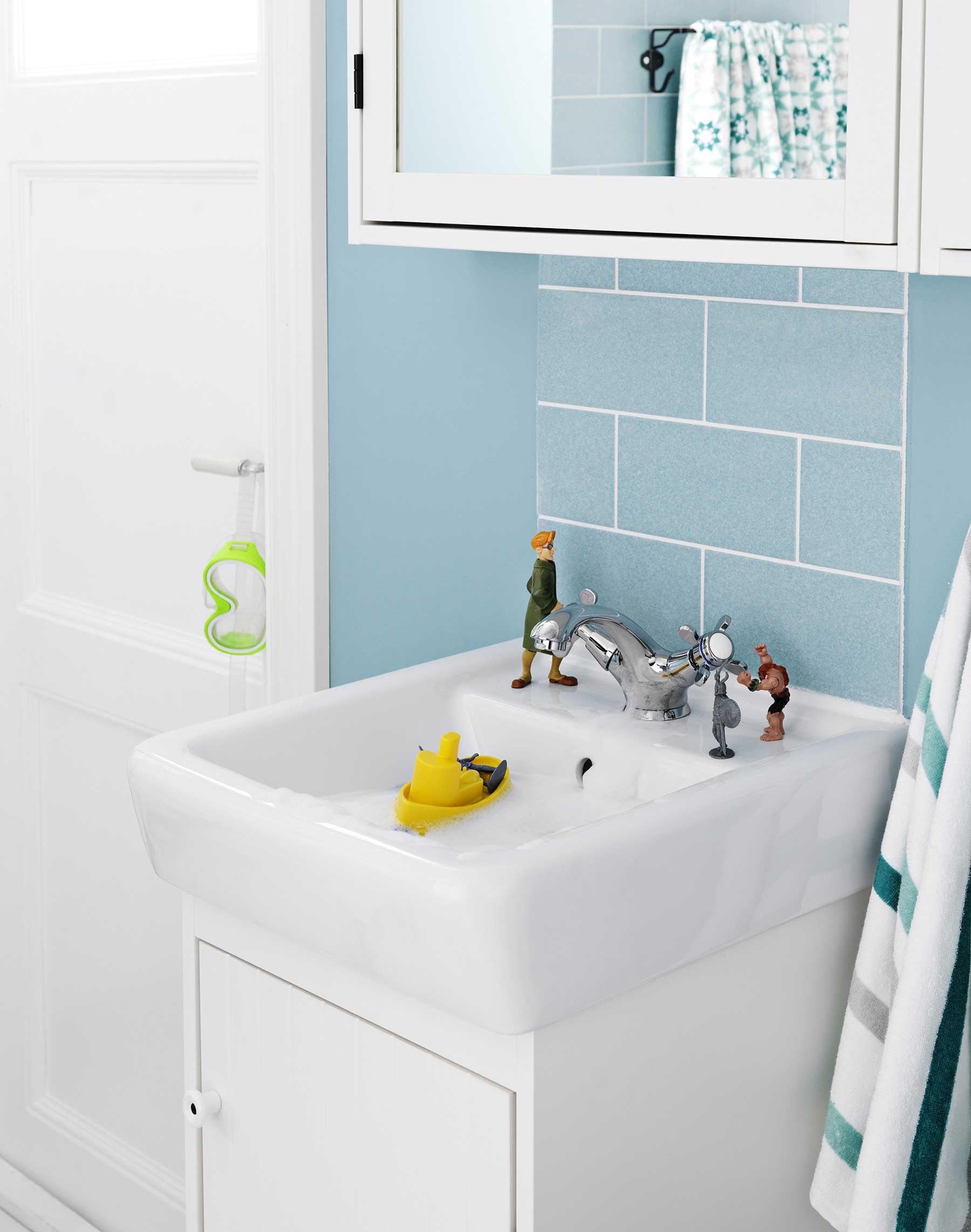 Salle de bains ikea for Meuble de rangement salle de bain ikea