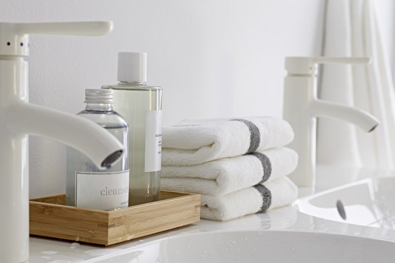 salle de bains ikea. Black Bedroom Furniture Sets. Home Design Ideas