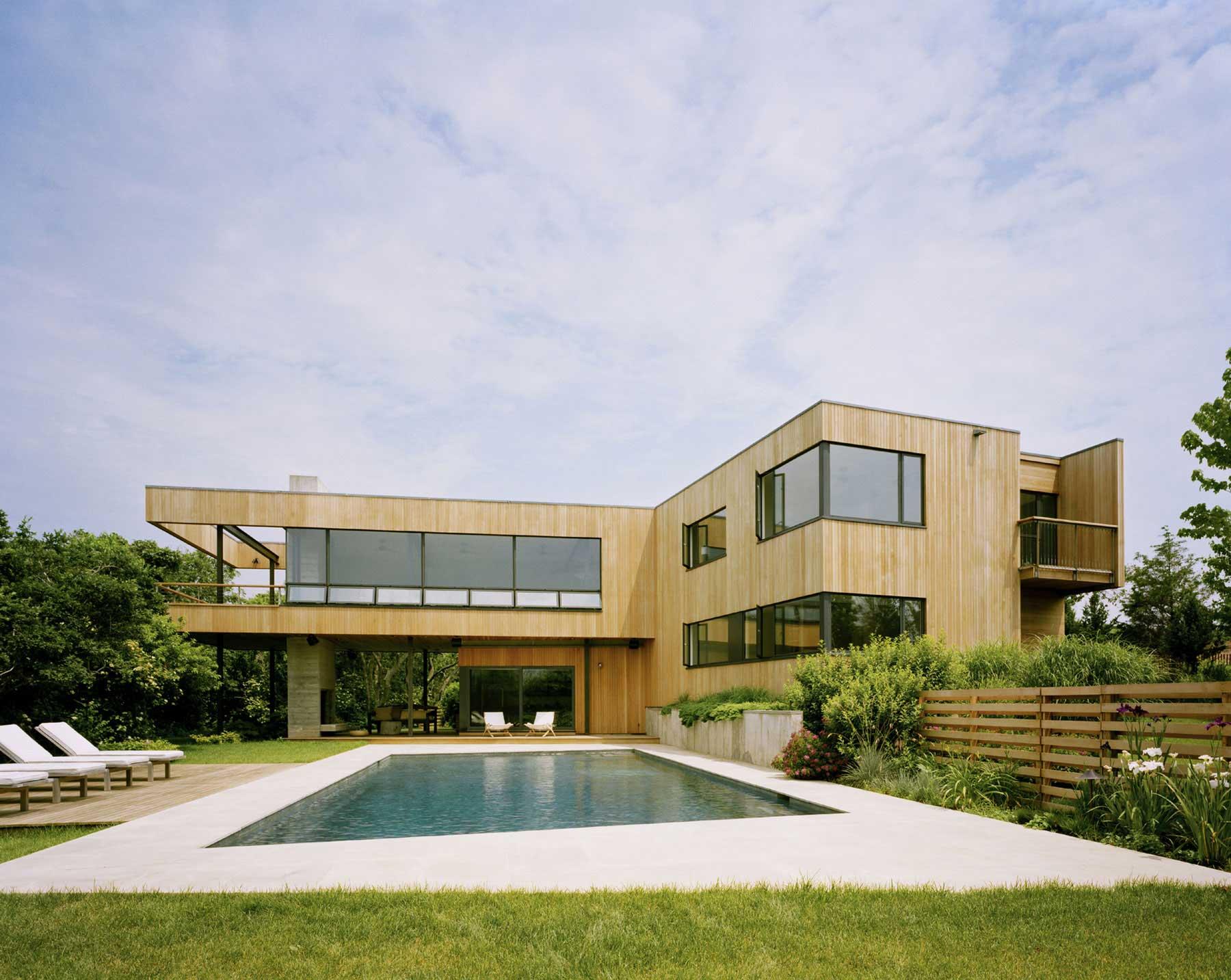 Maison contemporaine piscine for Maison moderne piscine