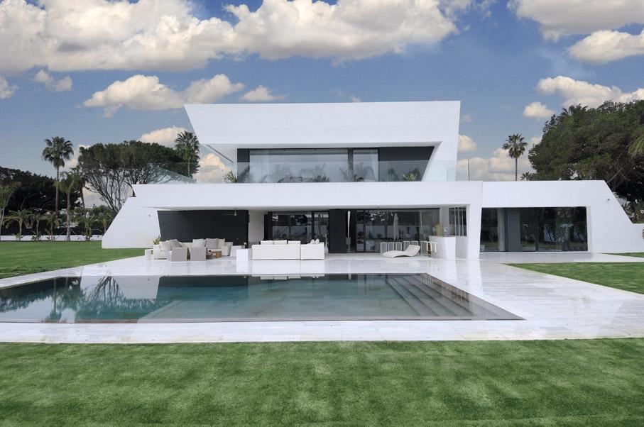 Maison futuriste avec piscine - Michael youn maison piscine ...