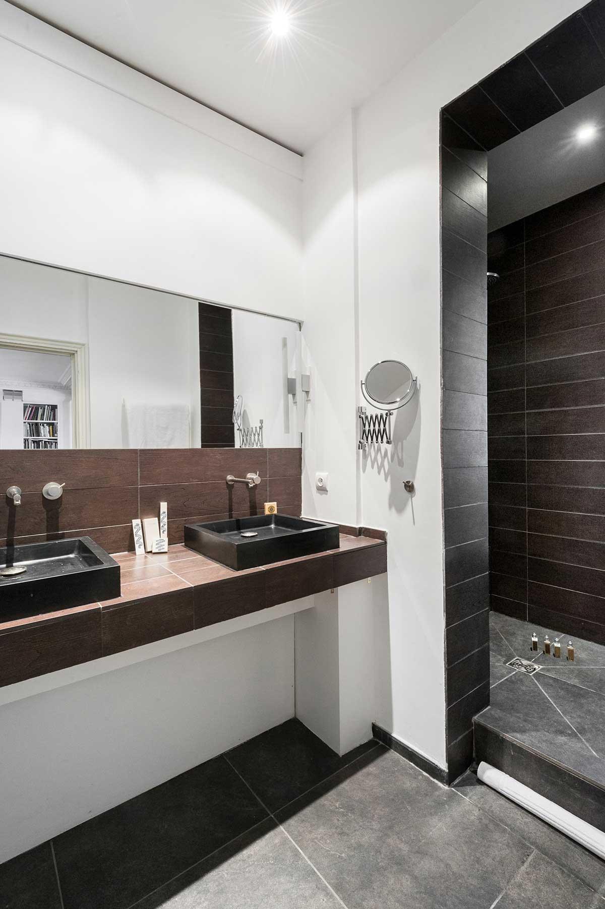 Salle de bains avec douche l 39 italienne for Acheter un loft a paris