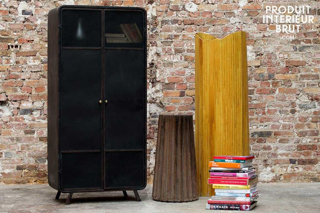 armoire en m tal. Black Bedroom Furniture Sets. Home Design Ideas