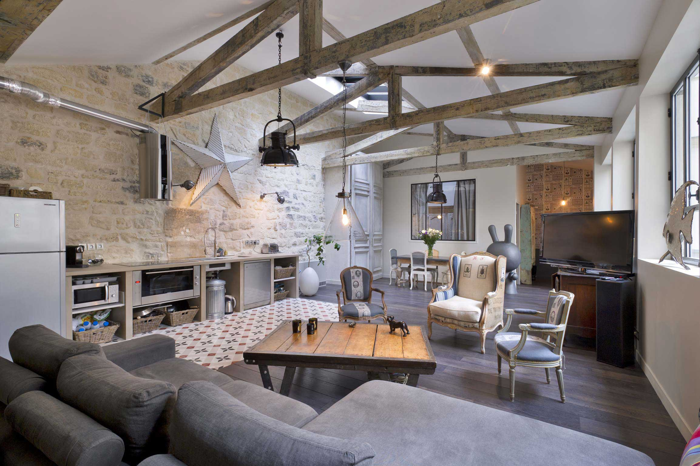 Carreau de ciment dans un loft for Deco loft industriel