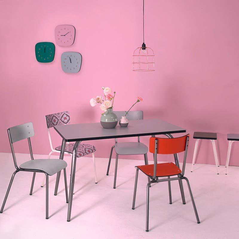 Chaise carreaux de ciment par Les Gambettes