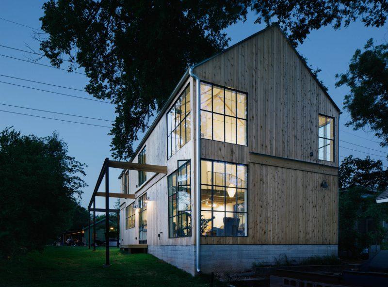 Un loft dans une ancienne grange non une maison for Modern transitional house plans