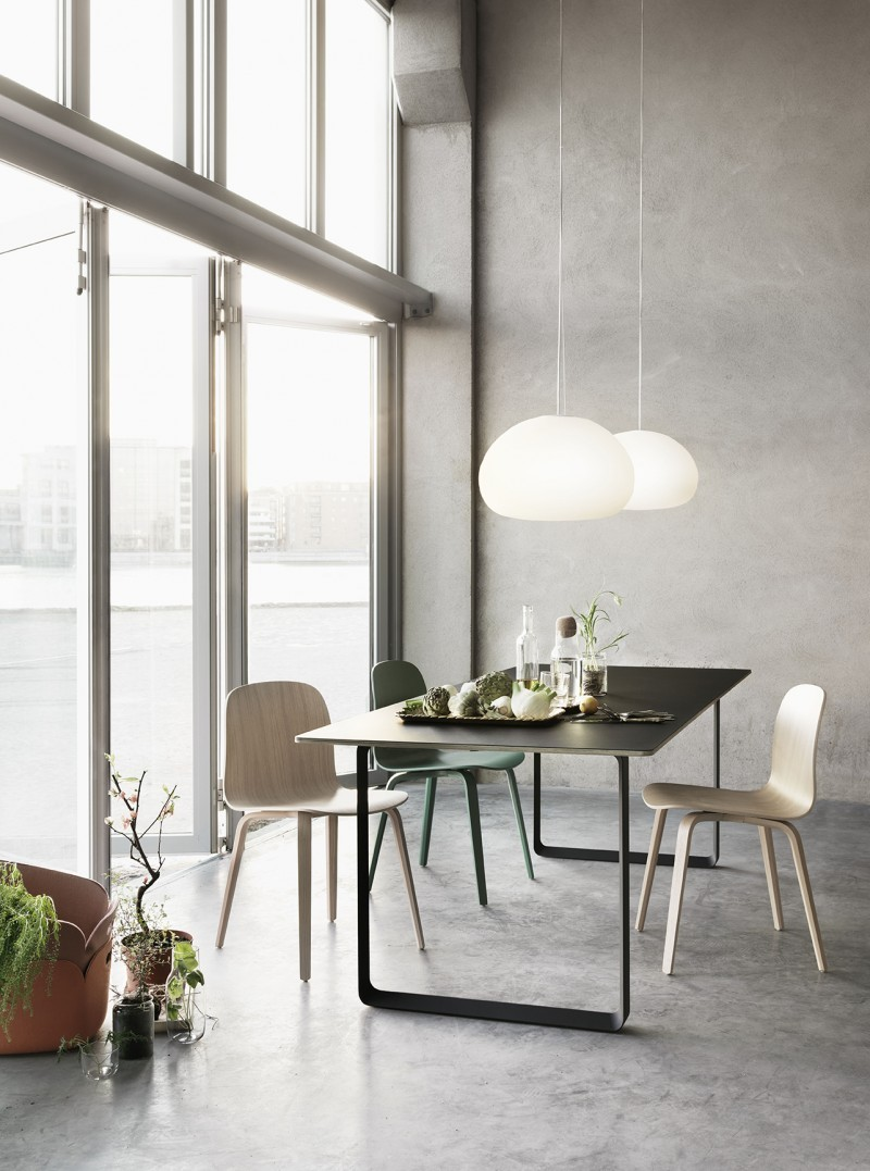 Table et chaise au design scandinave moderne
