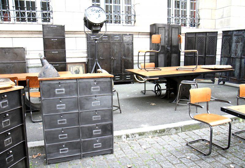 Mobilier industriel à la braderie de Lille