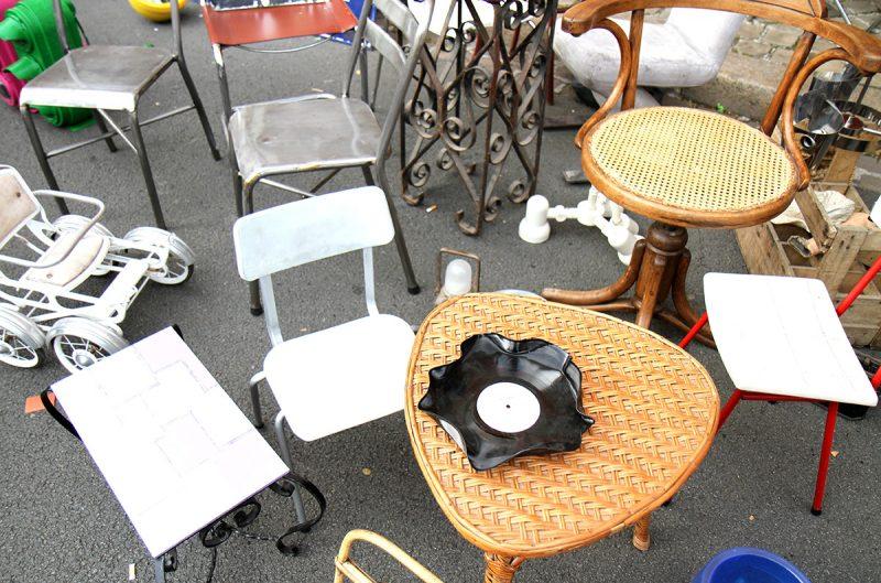 Chaises pour enfants à la braderie de Lille
