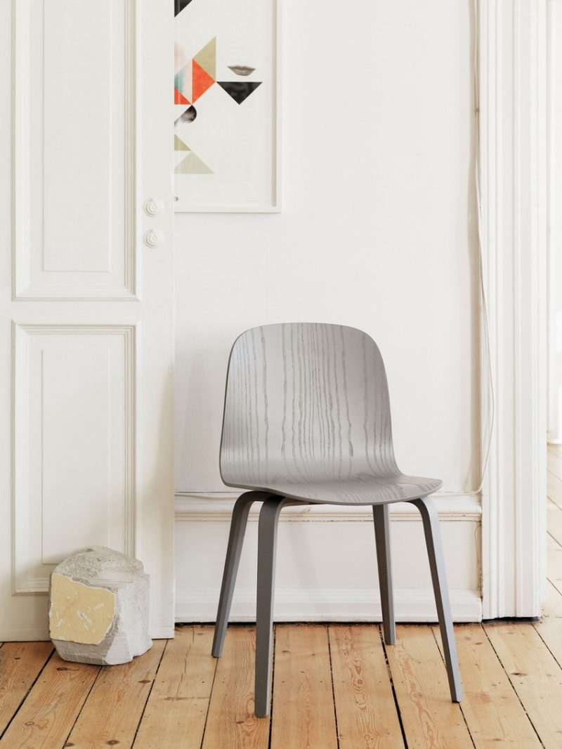 Chaise Muuto grise