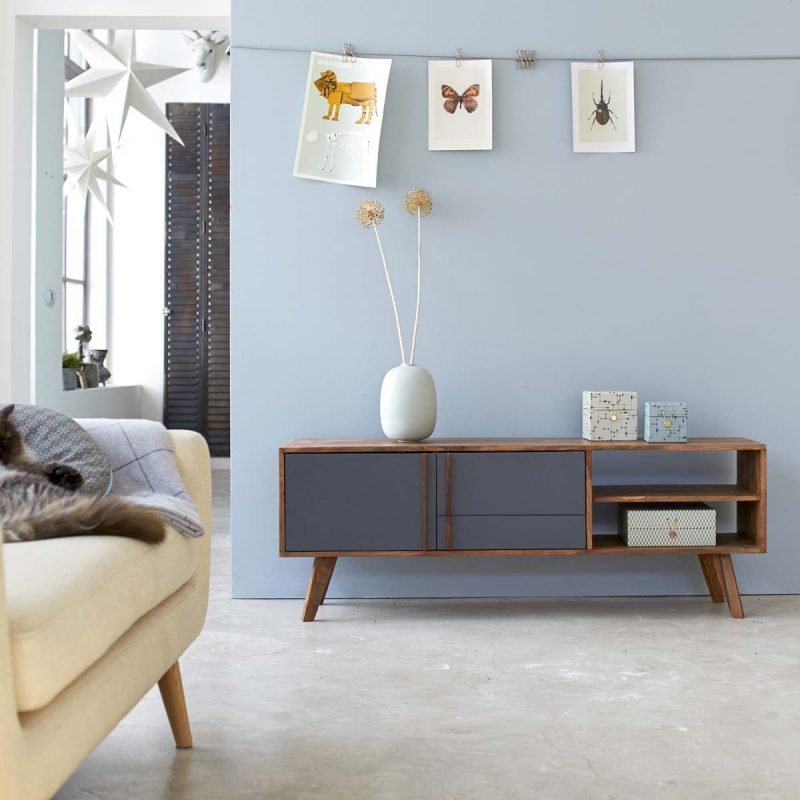 Meuble TV scandinave en bois foncé