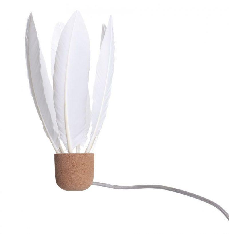 Lampe à plumes en liège