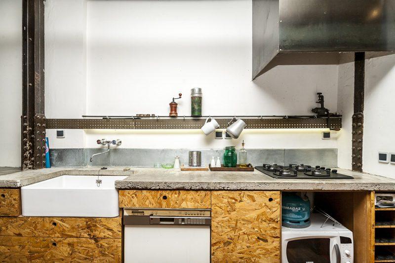 Cuisine avec façade en OSB