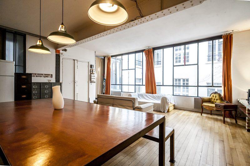 petit loft louer paris sur airbnb. Black Bedroom Furniture Sets. Home Design Ideas