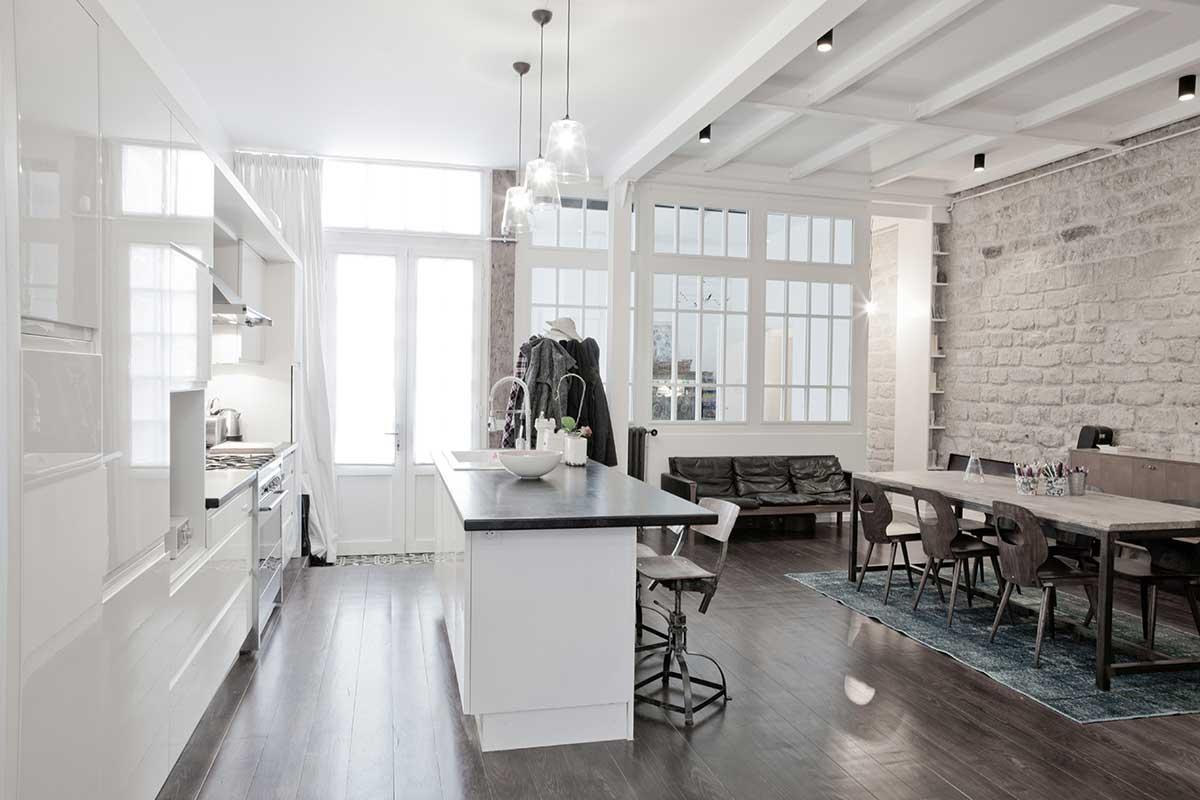 loft dans un ancien atelier de menuiserie paris par miriam gassmann. Black Bedroom Furniture Sets. Home Design Ideas