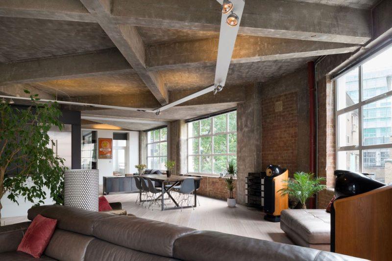 Plafond en béton dans un loft