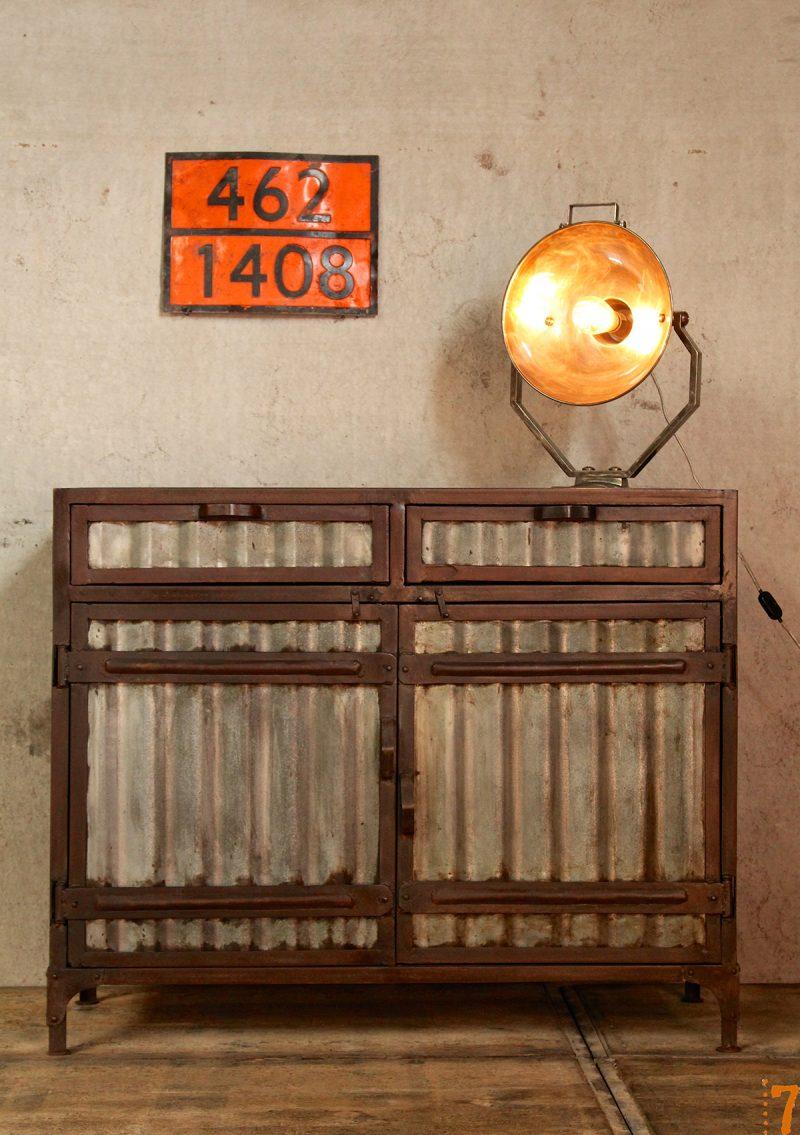 commode esprit industriel. Black Bedroom Furniture Sets. Home Design Ideas