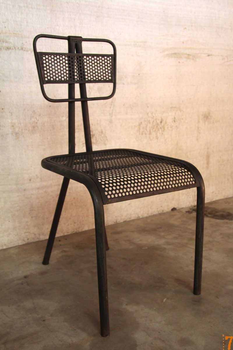Chaise en métal déco esprit industriel