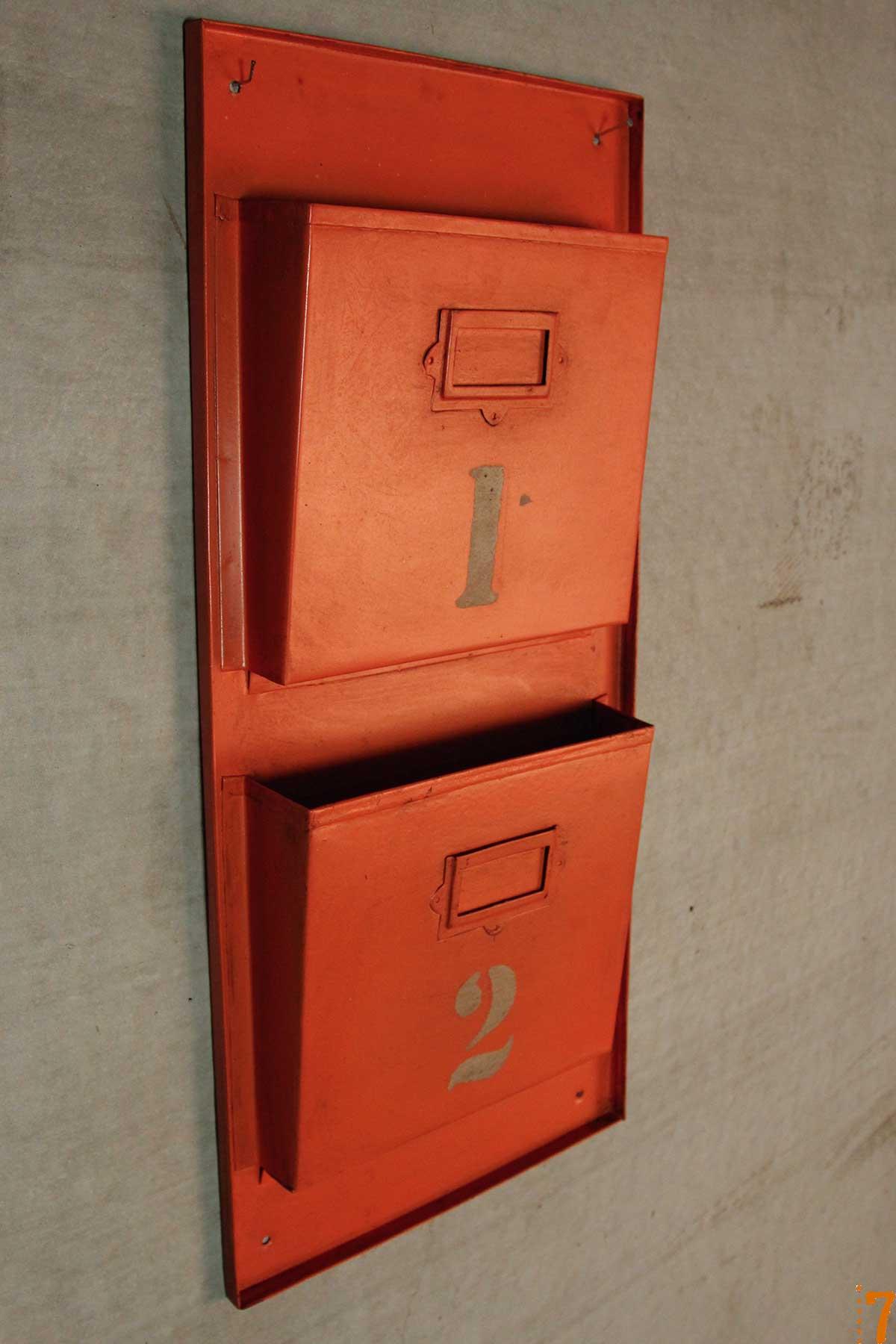 range documents mural esprit industriel orange. Black Bedroom Furniture Sets. Home Design Ideas