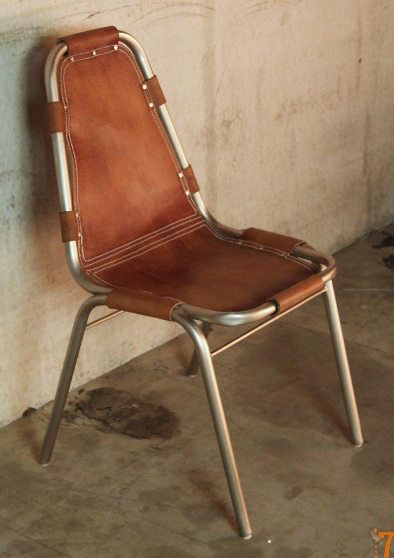 chaise en cuir et m tal. Black Bedroom Furniture Sets. Home Design Ideas