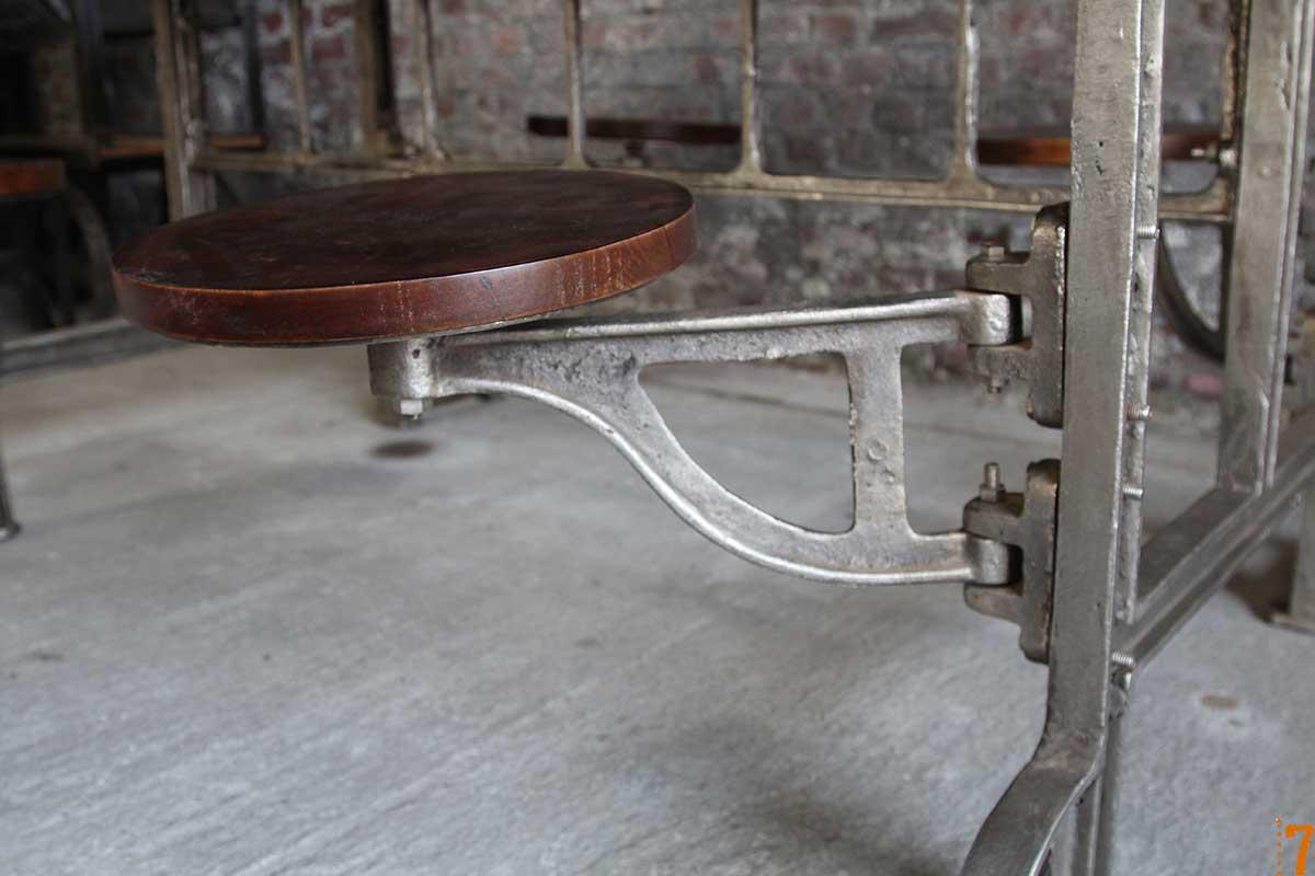 Tabouret int gr la table - Table basse avec tabourets integres ...