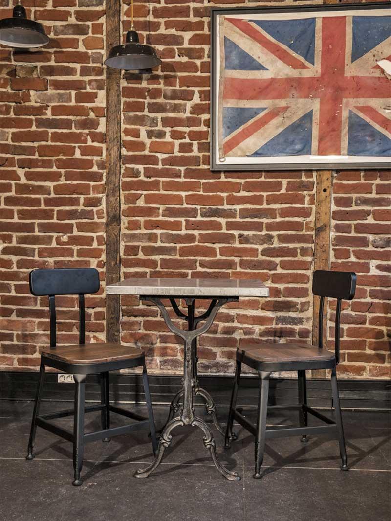 Chaise industrielle en bois et métal
