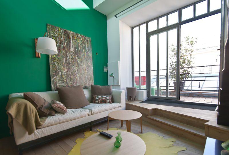 Mur vert dans le salon