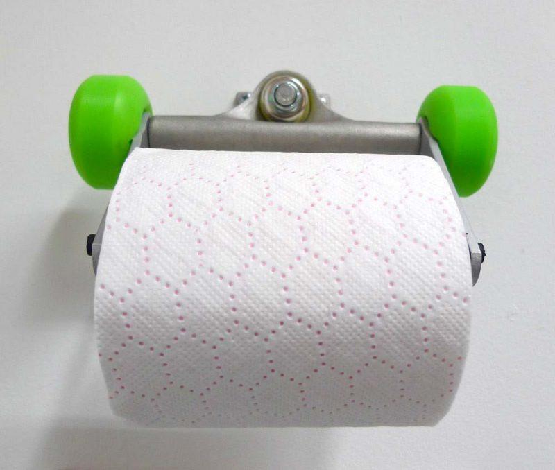 Porte papier toilette déco skateboard