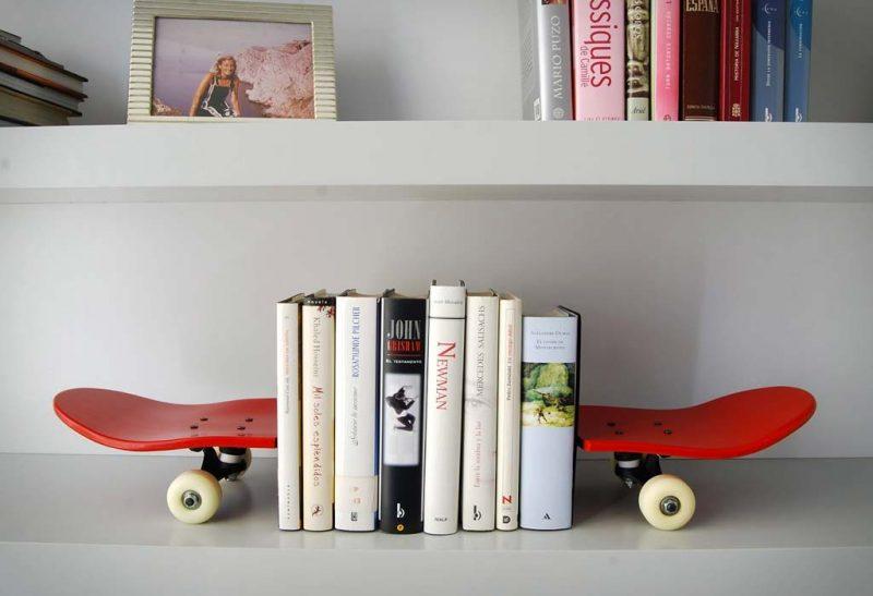 Serre-livres design Skateboard