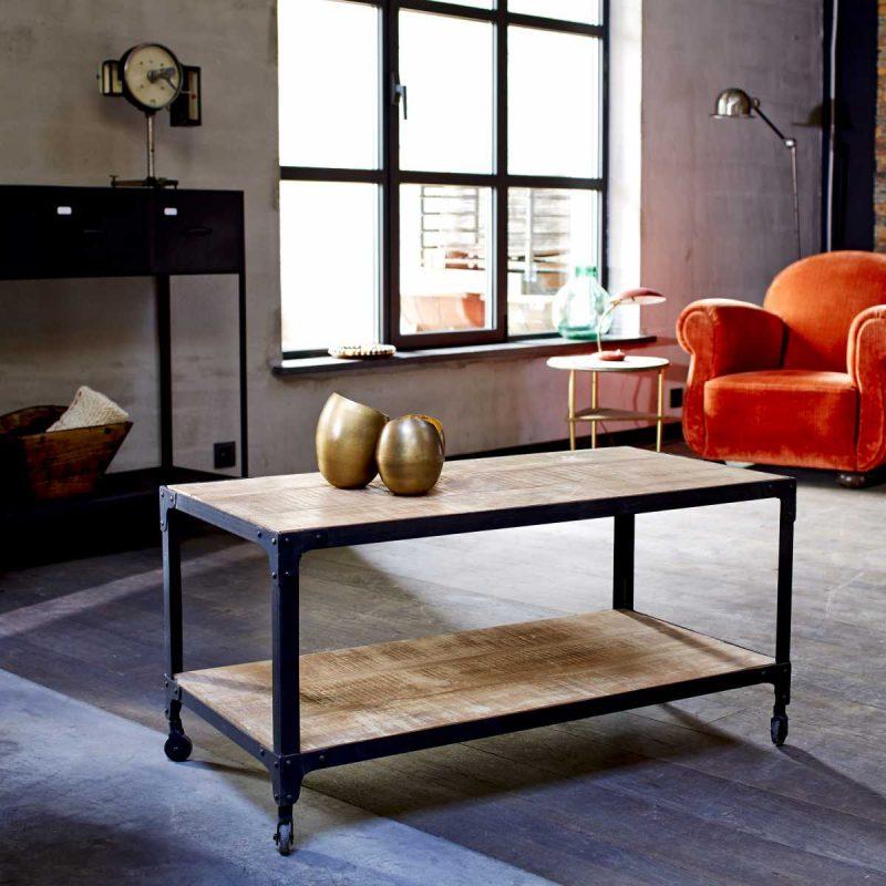 Table basse en métal et bois de style industriel-tikamoon