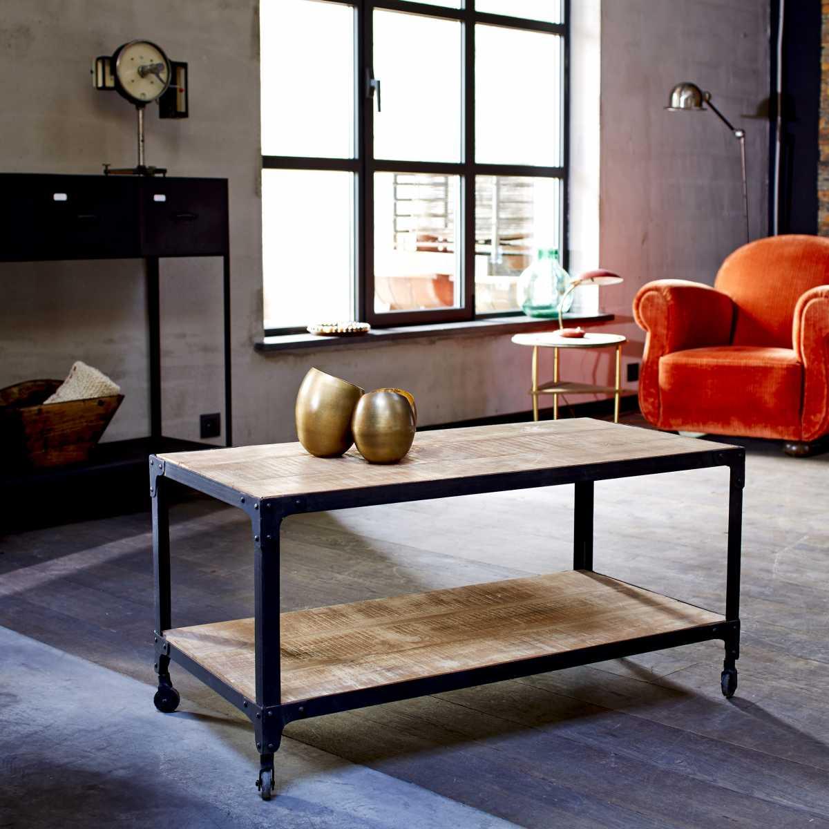 table basse en m tal et bois de style industriel tikamoon. Black Bedroom Furniture Sets. Home Design Ideas