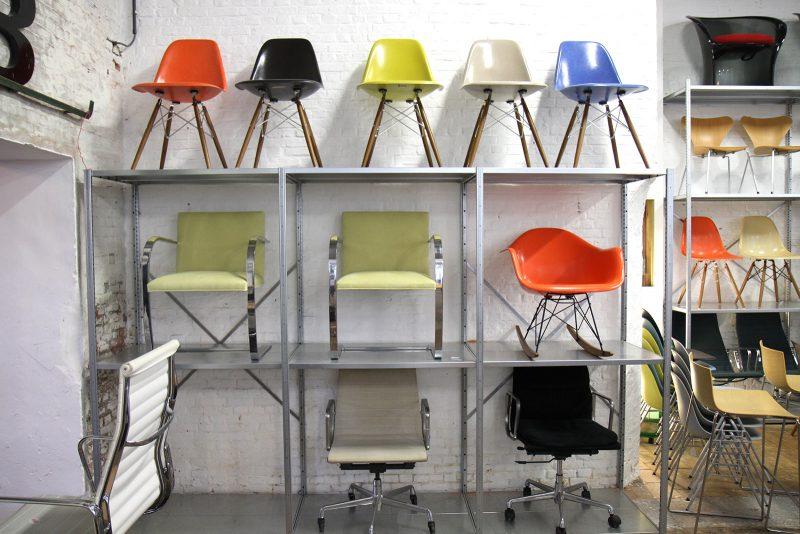 chaises eames vendre en belgique. Black Bedroom Furniture Sets. Home Design Ideas
