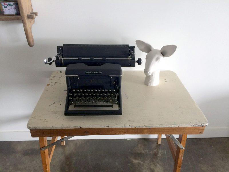 Machine à écrire ancienne en déco