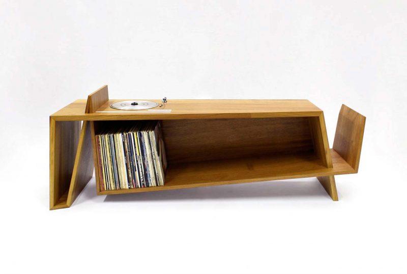 Meuble avec platine vinyle intégrée