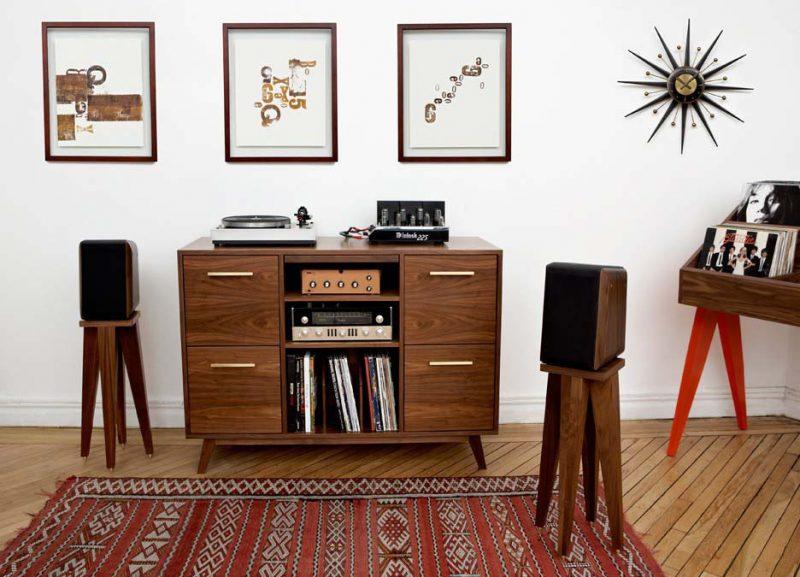 Meuble hi-fi vinyle ouvert vintage